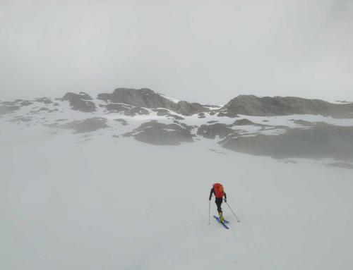 Jugando a ser niños exploradores de montañas